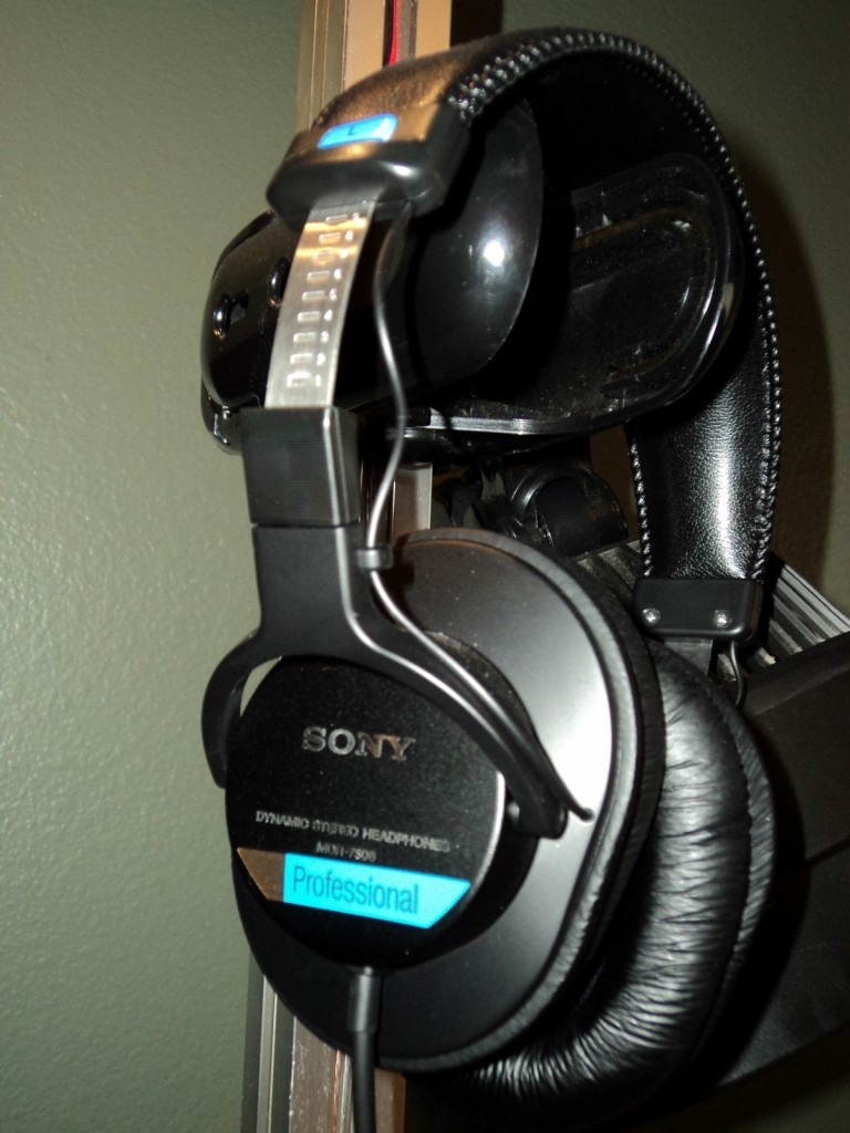 Excellent quality headphones - The Sony MDR-7506 Professional Monitor Headphones